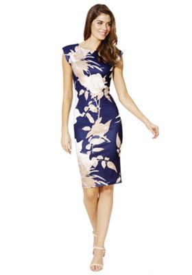 M s blue dress in advert exercise