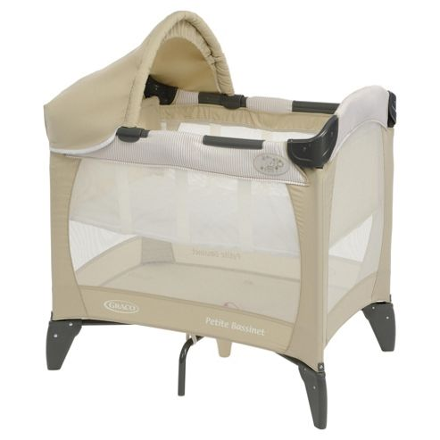 Graco Petite Bassinet in Benny & Bell
