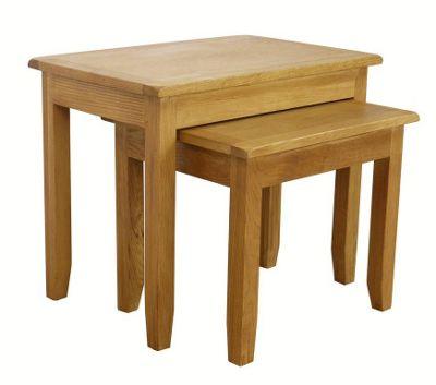 Nebraska - Oak Nest of Tables / 2 Nesting Tables