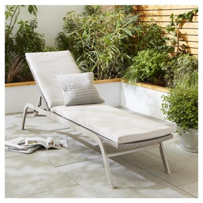 tesco san marino rattan garden lounger with cushion grey