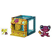 Littlest Pet Shop Mini Style Set with Frog Figure