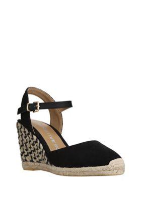 F&F Sensitive Sole Chevron Wedge Espadrille Sandals Adult 04 Black