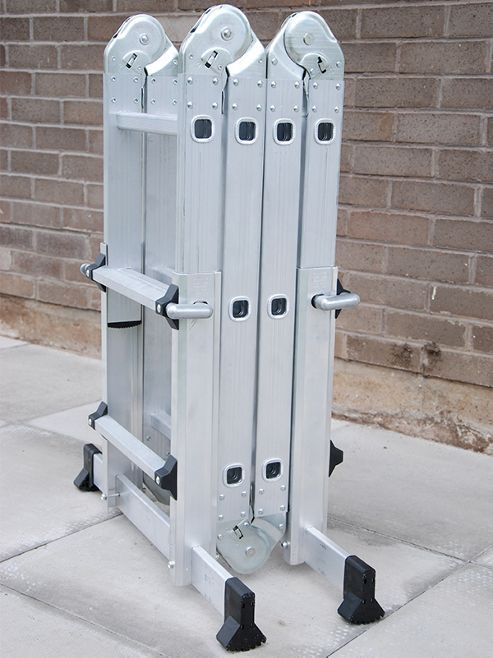 Multifold Ladder With Telescopic Feet