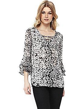 Wallis Petite Floral Lace-Up Top - Black & White