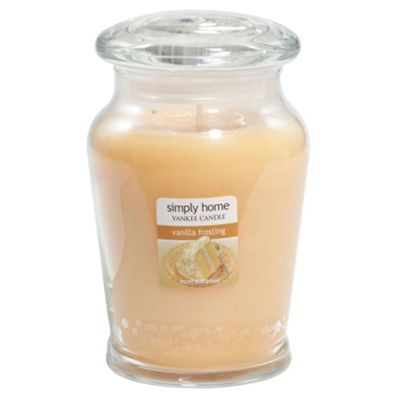 Yankee Candle Jar Vanilla Frosting, Medium