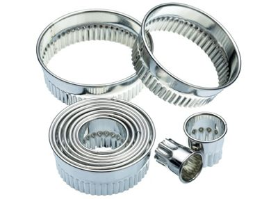 Kitchen Craft Eleven Fluted Cutters With Metal Storage Tin