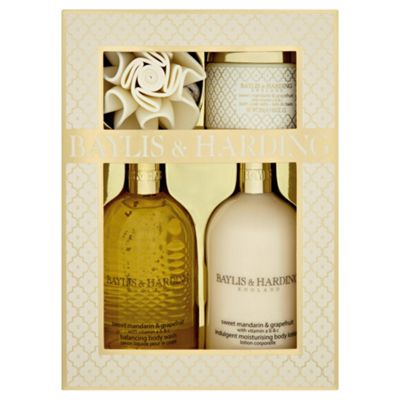 Baylis & Harding Sweet Mandarin & Grapefruit Portrait Benefit Set