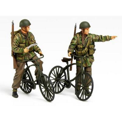 Tamiya 35333 British Paratroopers With Bikes 1:35 Military Figures Model Kit