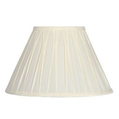 25cm Lamp Shade Cream Polysilk Pinch Pleat Design