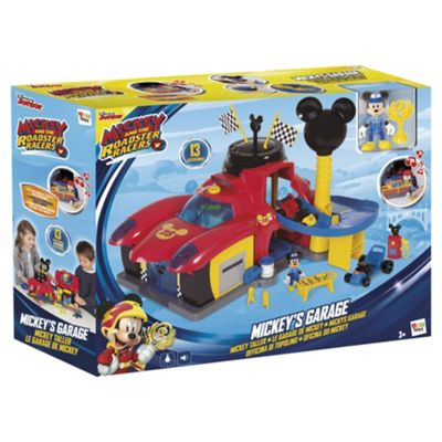 Mickeys Roadster Racers Garage