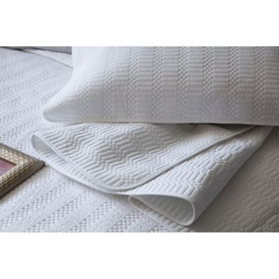 Stratford Bed Throw Pure Cotton Collection - White
