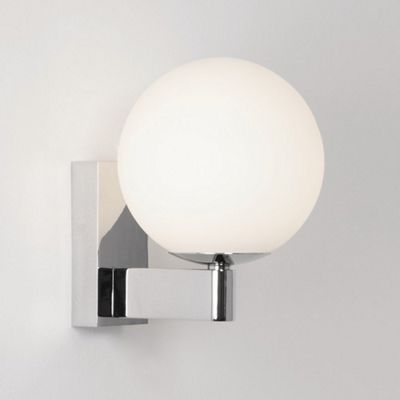 Astro lighting sagara bathroom wall light in polished chrome