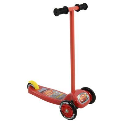 Disney Cars Lightning McQueen Tilt N Turn Scooter