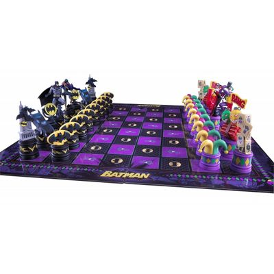 The Batman Chess Set ( The Dark Knight vs The Joker ) Noble Collection