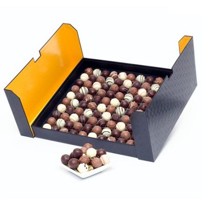 luxury belgian truffles in stylish black box 1470g (CH23)