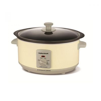 Morphy Richards 460002 3.5 Litre Sear and Stew Slow Cooker - Cream
