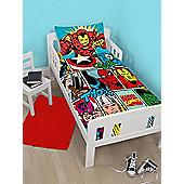 Marvel Comics Strike Junior Duvet Cover and Pillowcase Set