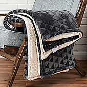 Homescapes Dark Grey Geometric Triangle Velvet Throw, 160 x 200 cm