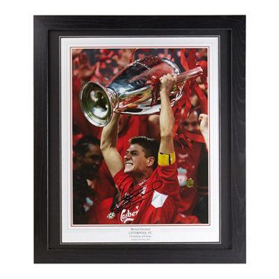 Framed Steven Gerrard signed Liverpool FC image