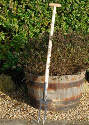 De Wit two-pronged weeder / rose fork
