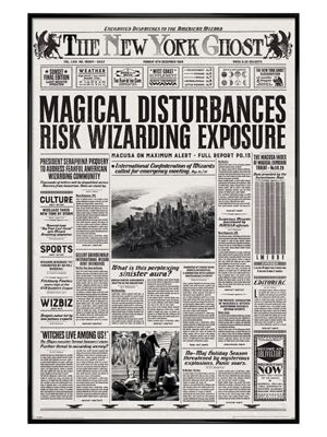 Fantastic Beasts and Where to Find Them Gloss Black Framed The New York Ghost Poster 61x91.5cm
