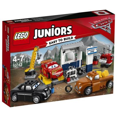 lego juniors disney cars smokeys garage 10743