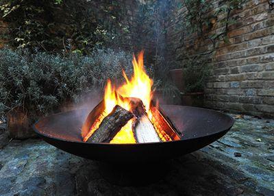 Cast-iron fire pit / brazier