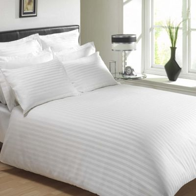 Julian Charles Mayfair White 300 Thread Count Egyptian Cotton Duvet Cover - Double
