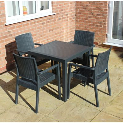 Brackenstyle Madrid Table and 4 Arm Chairs Set - Seats 4
