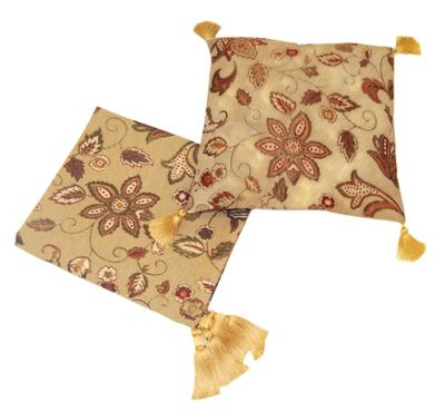 EHC Vintage Floral Throw Set In A Floral Scroll Pattern