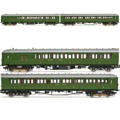 Hornby Train Pack R3161B Sr 2-Bil