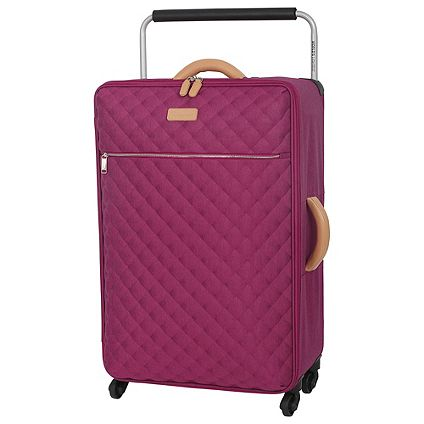 IT Luggage Suitcases for innovative, high-quality cases