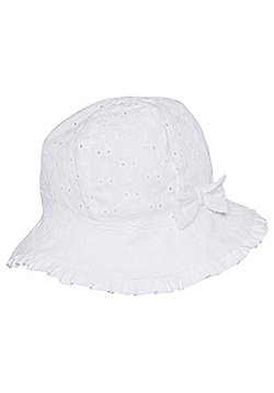 F&F Broderie Anglaise Fisherman Hat - White