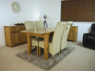 Solid Oakland Oak Extending Dining Table and x4 Red Chairs