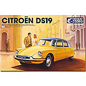 EBBRO E25005 Citroen DS19 1:24 Car Model Kit