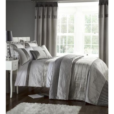 Catherine Lansfield Home Signature Silver Gatsby Bedspread - 240x260cm