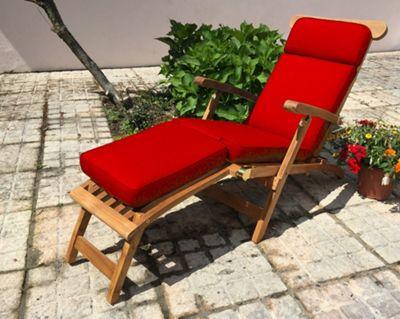 Steamer Garden Cushion Cherry Red