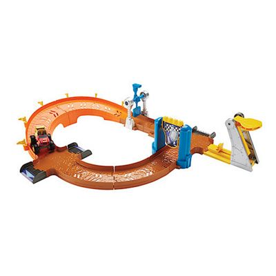 Fisher-Price Nickelodeon Blaze and the Monster Machines Blaze to Victory Speedway