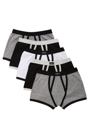 F&F 5 Pack of Monochrome Trunks 5-6 years Multi