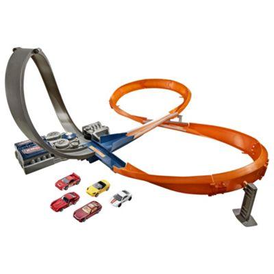 Hot Wheels Figure 8 Raceway With 6 Cars