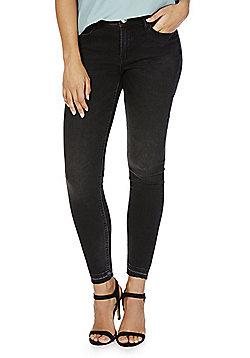 JDY Frayed Hem Ankle Grazer Jeans - Black