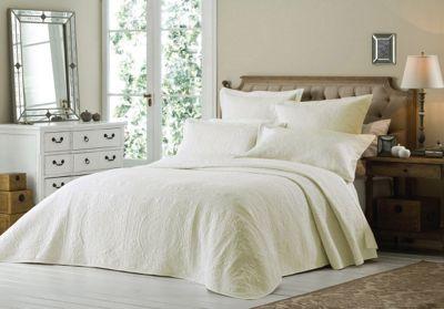 Rapport Versailles Cream Bedspread & Pillowshams - Single