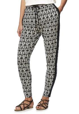F&F Monochrome Graphic Print Elastic Waist Trousers Black/White 18