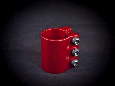 Damaged 3 Bolt Clamp Anodised Red