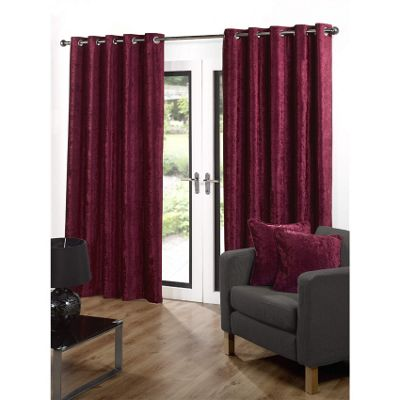 Velvetine Eyelet Curtains 168 x 137cm - Red