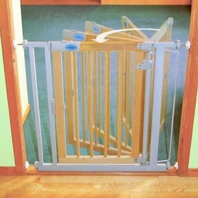 Bettacare Auto Close Gate Wooden Standard