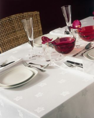 Belledorm Ivy Leaf Circular Table Linen - White