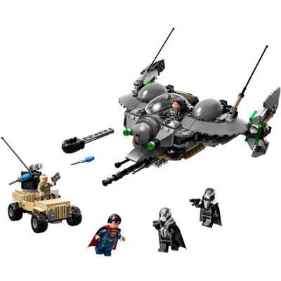 Lego DC Super Heroes Superman: Battle of Smallville 76003