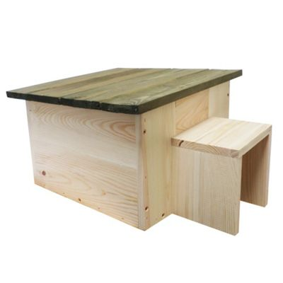 Natural Pinewood Hedgehog Hibernation House and Nest Box with Green Roof