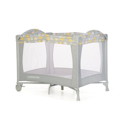 82 Mothercare Portable Baby Cot Joie Commuter Travel